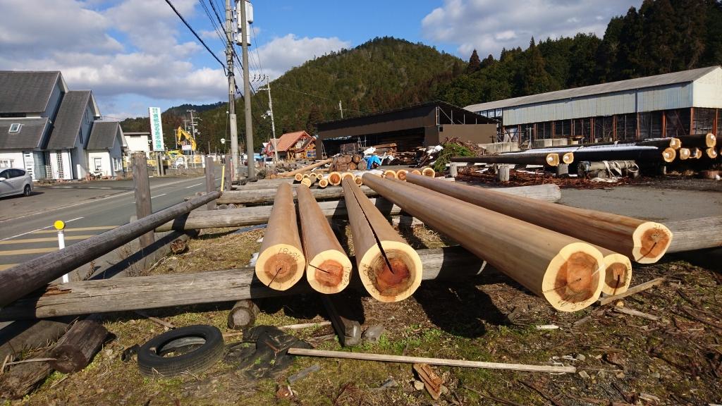 北山杉のブランドの床柱